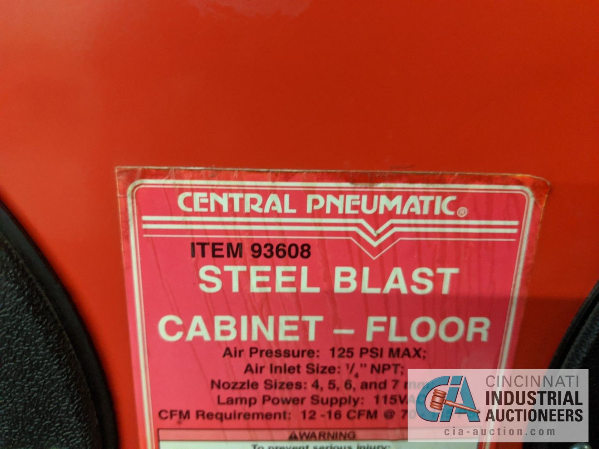 """CENTRAL PNEUMATIC NO. 93608 STEEL BLAST CABINET, 125 PSI MAX, 35"""" LEFT TO RIGHT X 22"""" FRONT TO BACK - Image 3 of 4"""