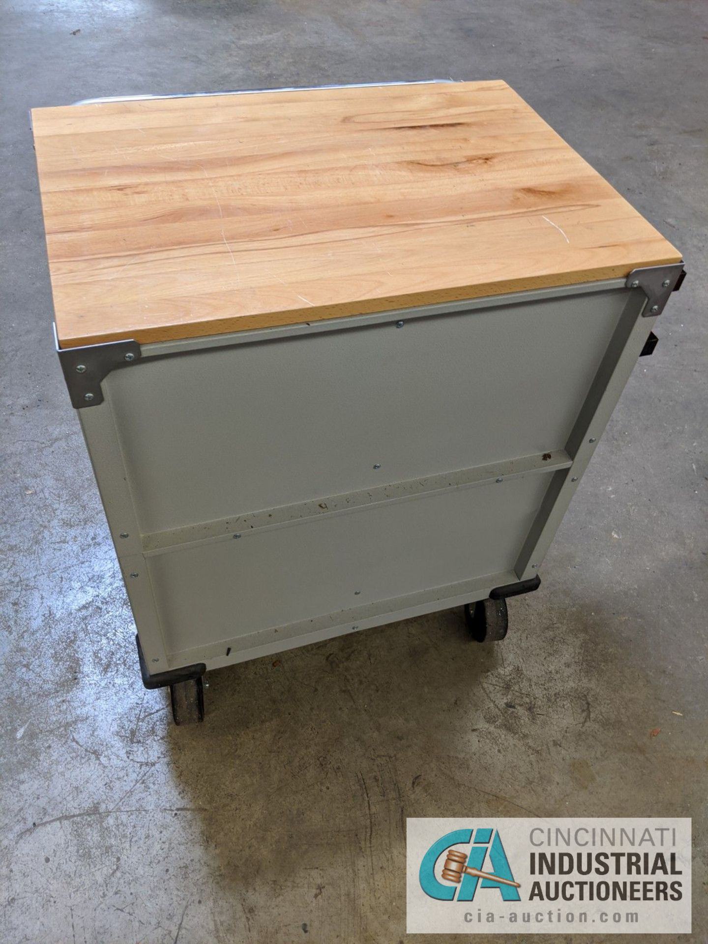 5-DRAWER PORTABLE BOX WITH CONTENTS - ASSORTED HAND TOOLS, MAPLE TOP - Image 2 of 7