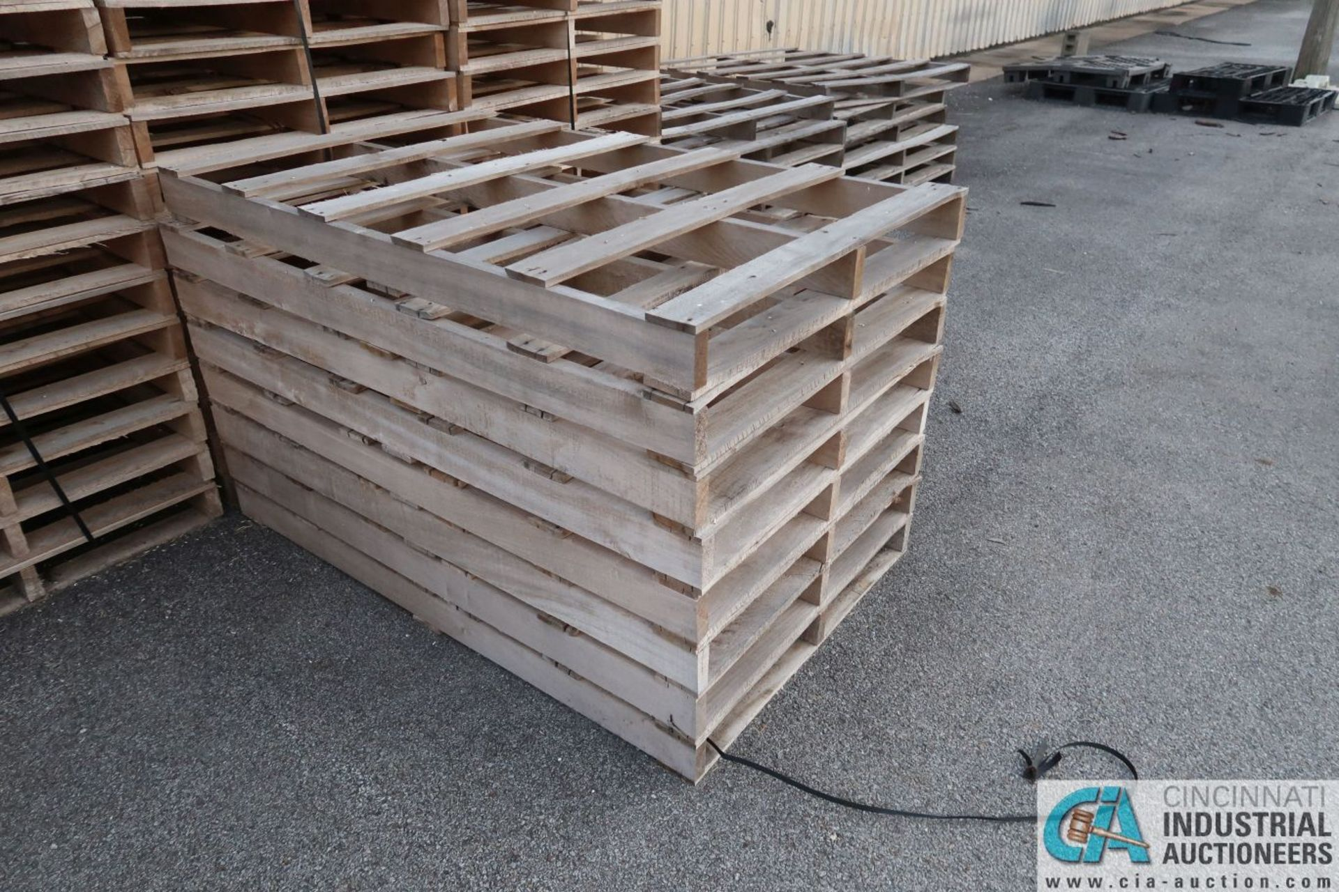 APPROX. VARIOUS SIZE NEW WOOD PALLETS - Image 4 of 5