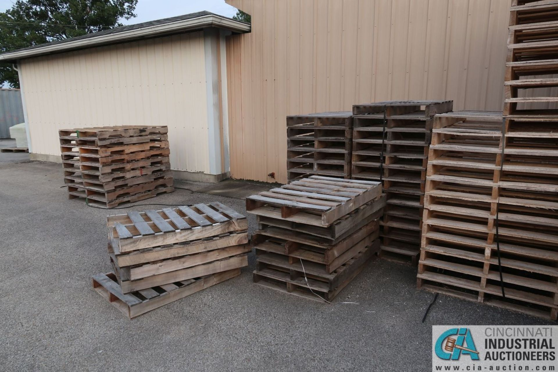 APPROX. VARIOUS SIZE NEW WOOD PALLETS - Image 2 of 5
