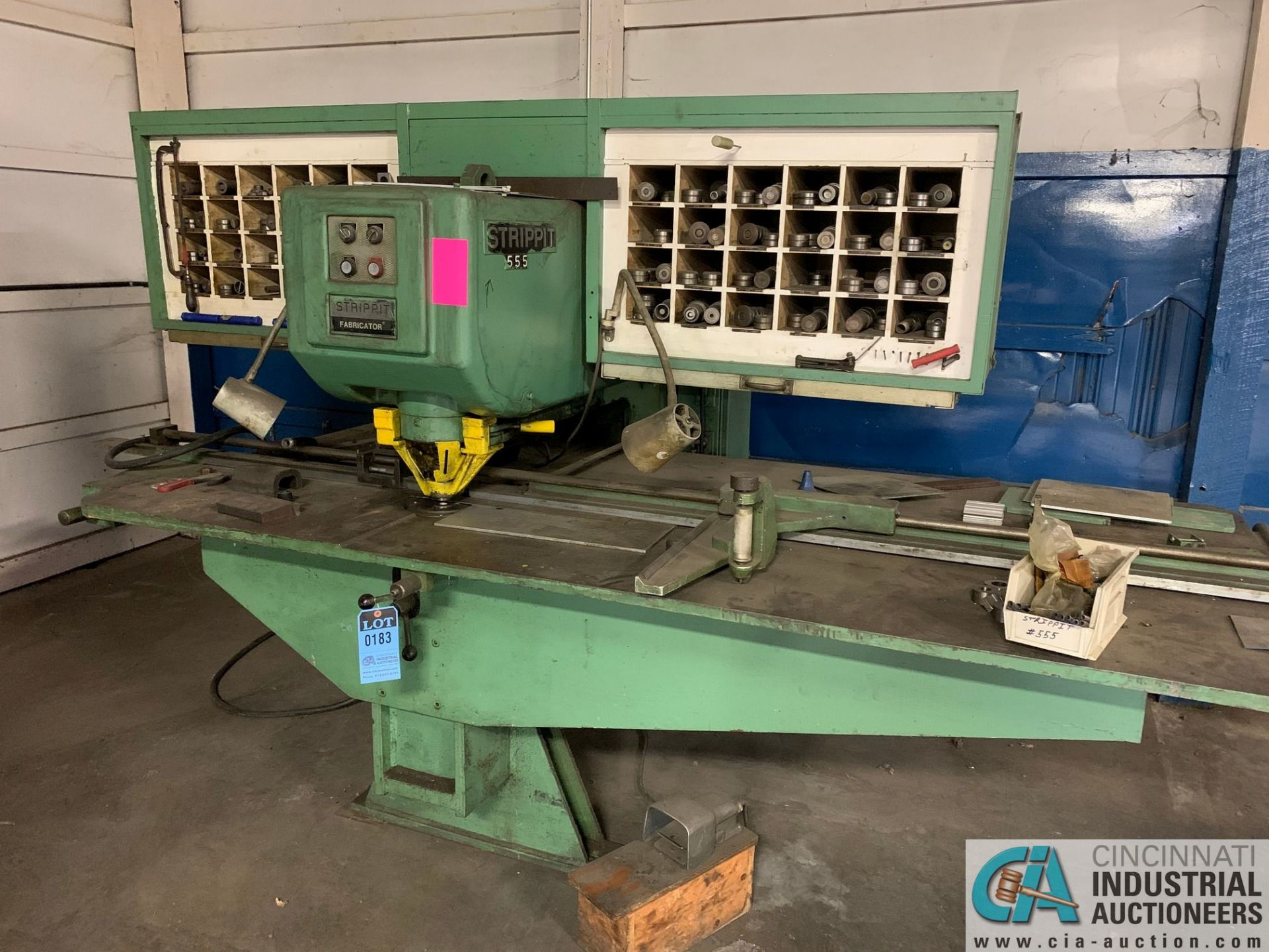 30 TON STRIPPIT FABRICATOR CUSTOM 30/30 SINGLE END PUNCH WITH TOOLING