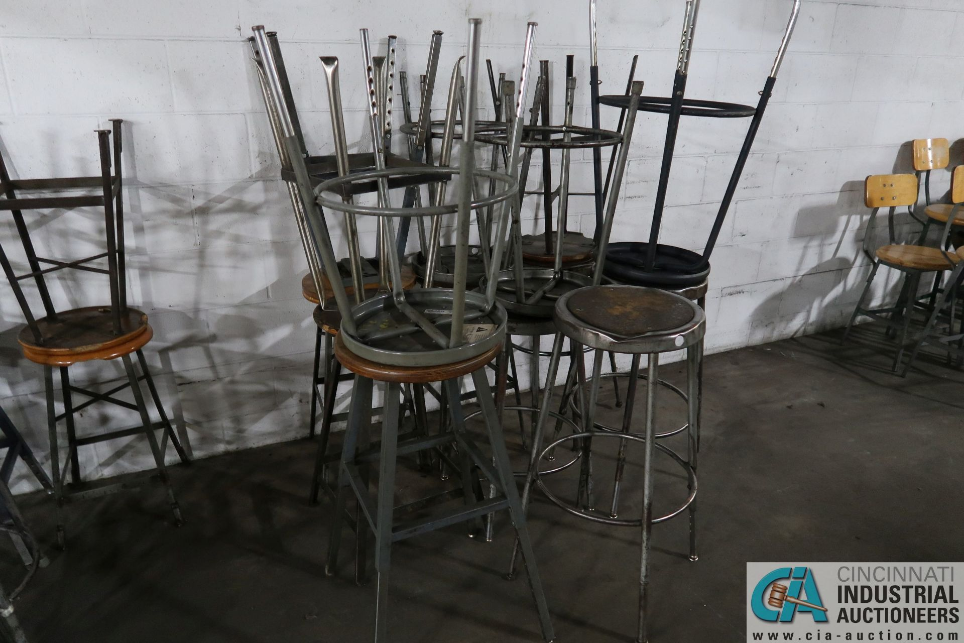 BARSTOOL STYLE STEEL FRAME WOOD SEAT SHOP CHAIRS - Image 2 of 2