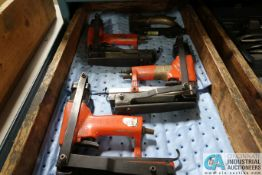 (LOT) (4) PNEUMATIC STAPLE GUNS