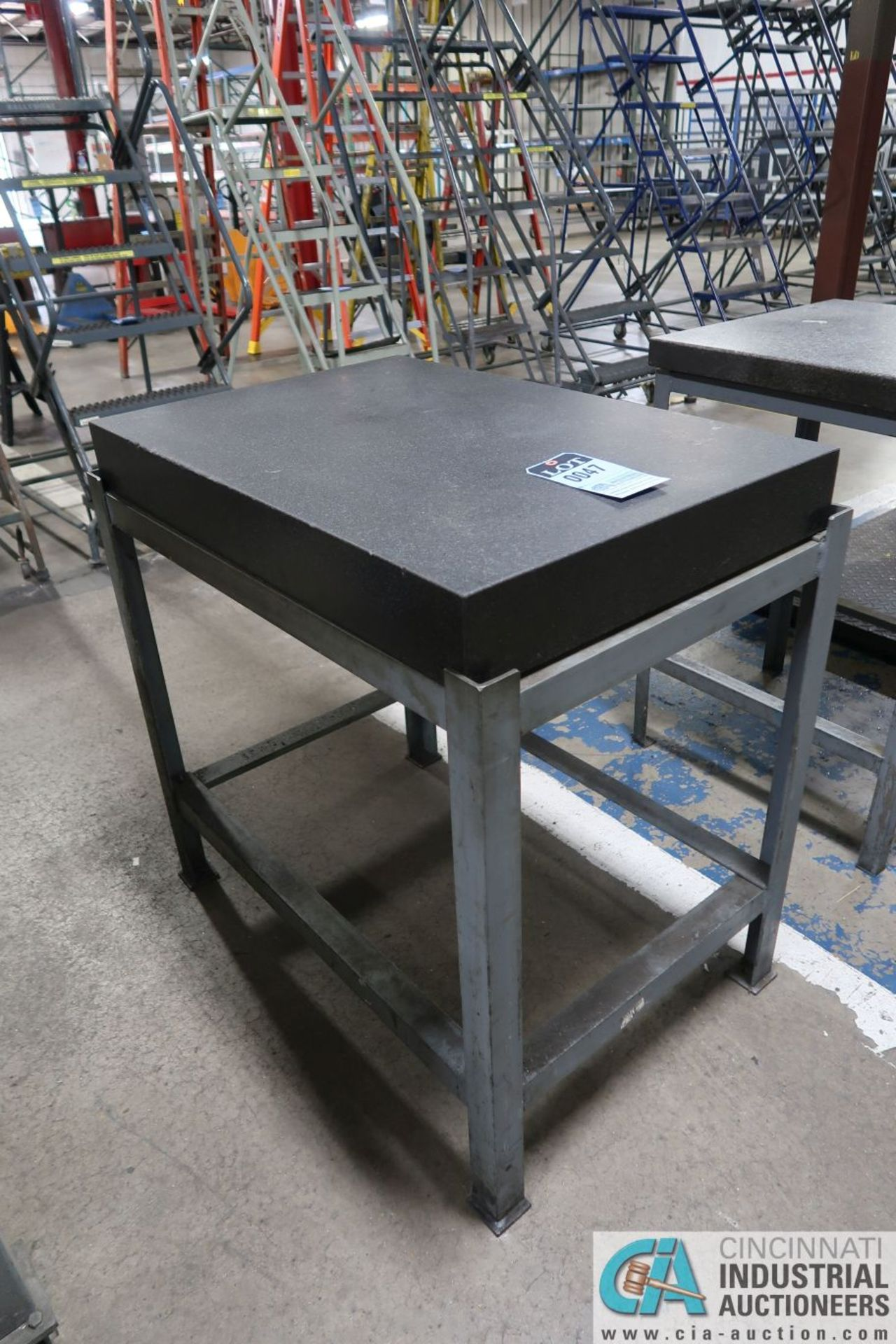 """23"""" X 35"""" X 4"""" THICK BLACK GRANITE SURFACE PLATE WITH STAND - Image 2 of 2"""