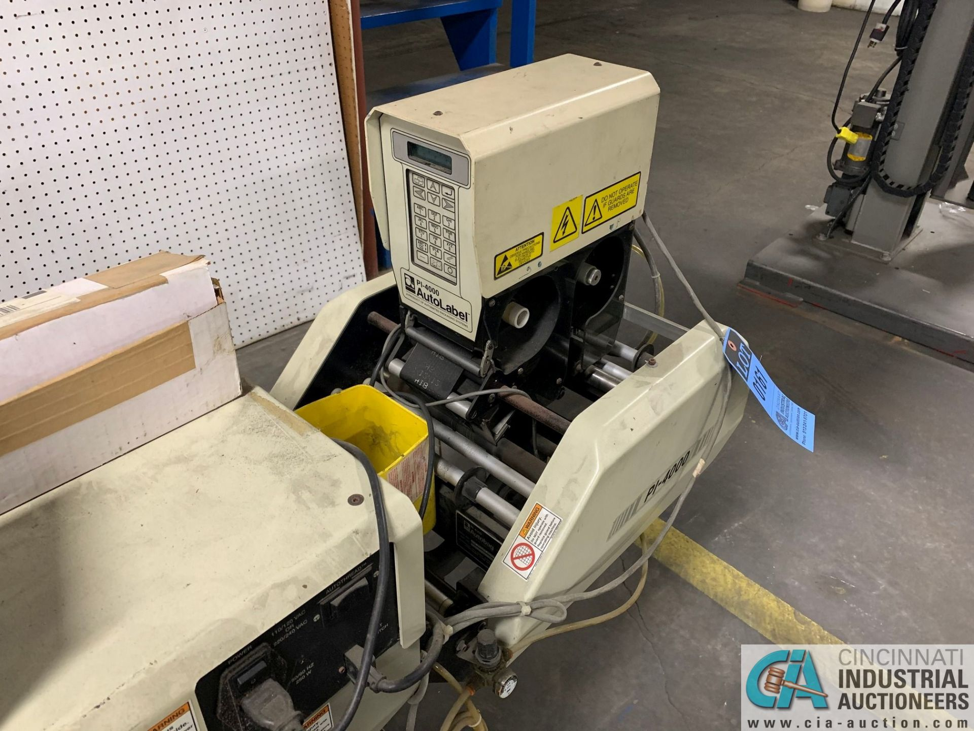 AUTOBAG MODEL HS-100 EXCEL POLY BAGGING MACHINE; S/N 2072896019, WITH P1-4000 AUTO LABEL MACHINE ( - Image 4 of 7