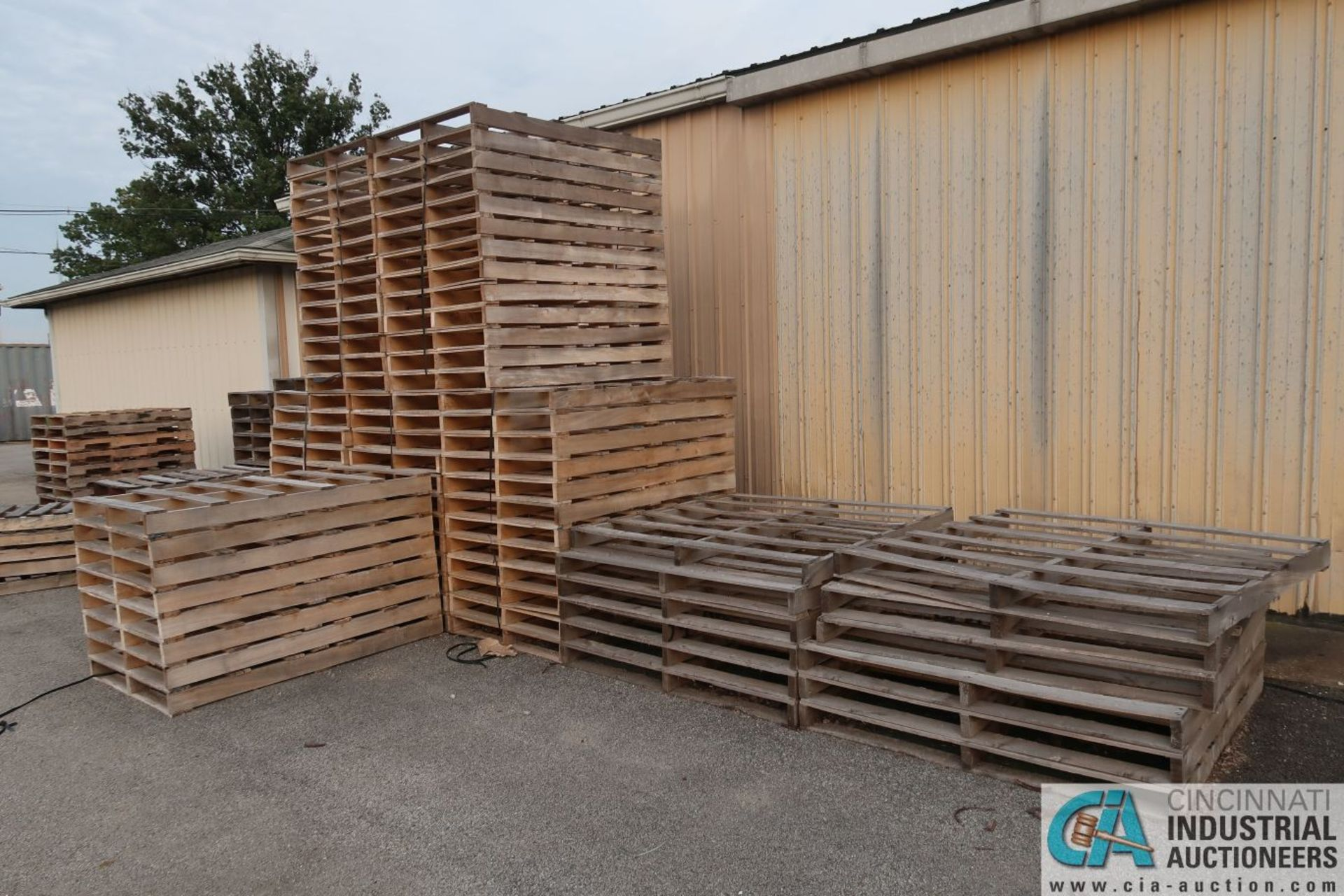 APPROX. VARIOUS SIZE NEW WOOD PALLETS