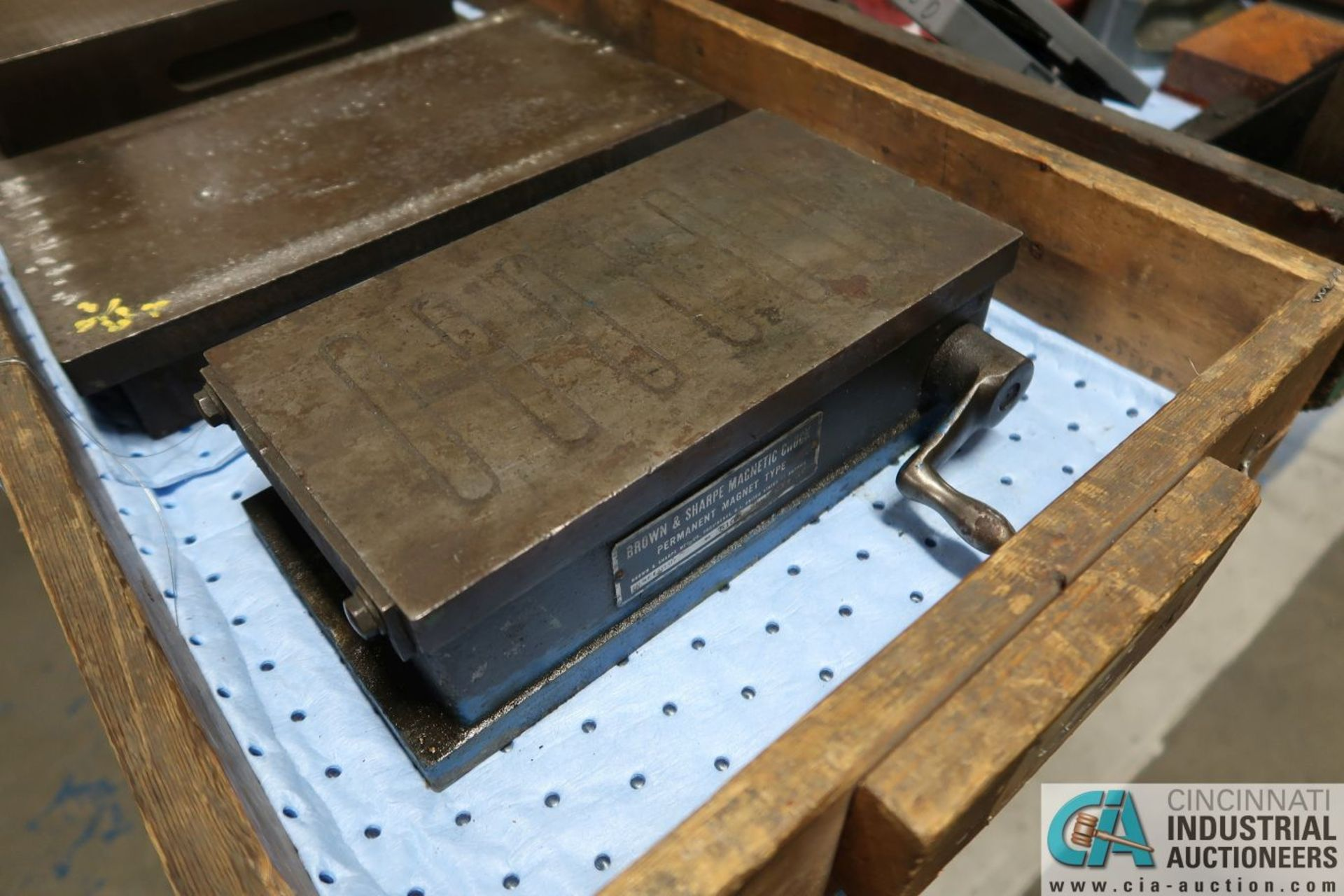 """6-1/2"""" X 11"""" X 3"""", 7-1/2"""" X 13"""" X 2-1/2"""" CAST IRON SURFACE PLATES WITH 5-1/2"""" X 10-1/2"""" MAGNETIC - Image 2 of 3"""