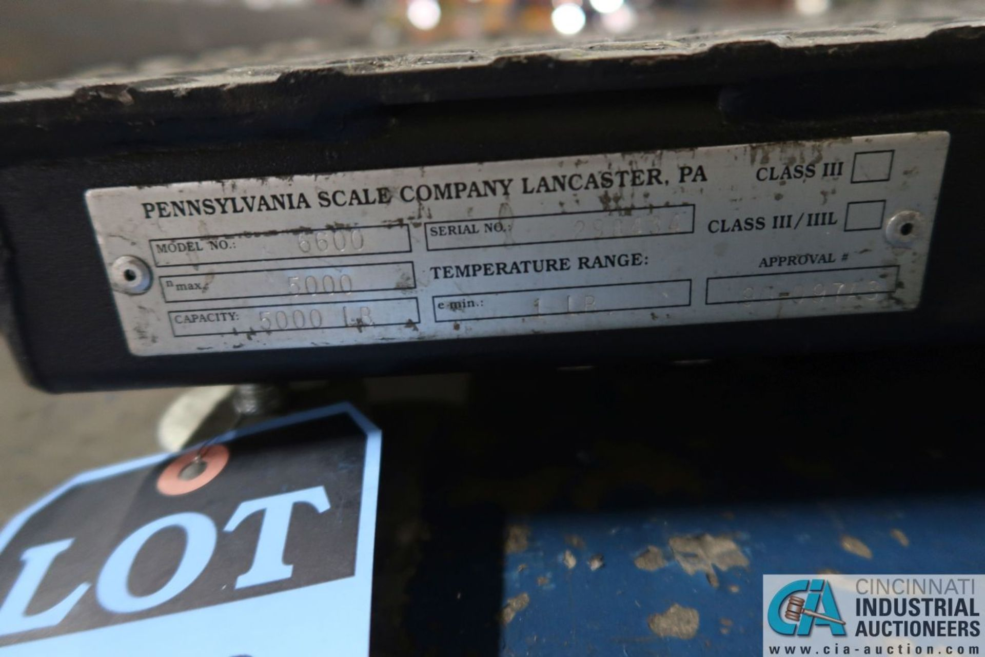 "5,000 LB. CAPACITY PENNSYLVANIA MODEL 16600 36"" X 36"" PLATFORM SCALE WITH PENNSYLVANIA 7600 BENCH - Image 3 of 3"