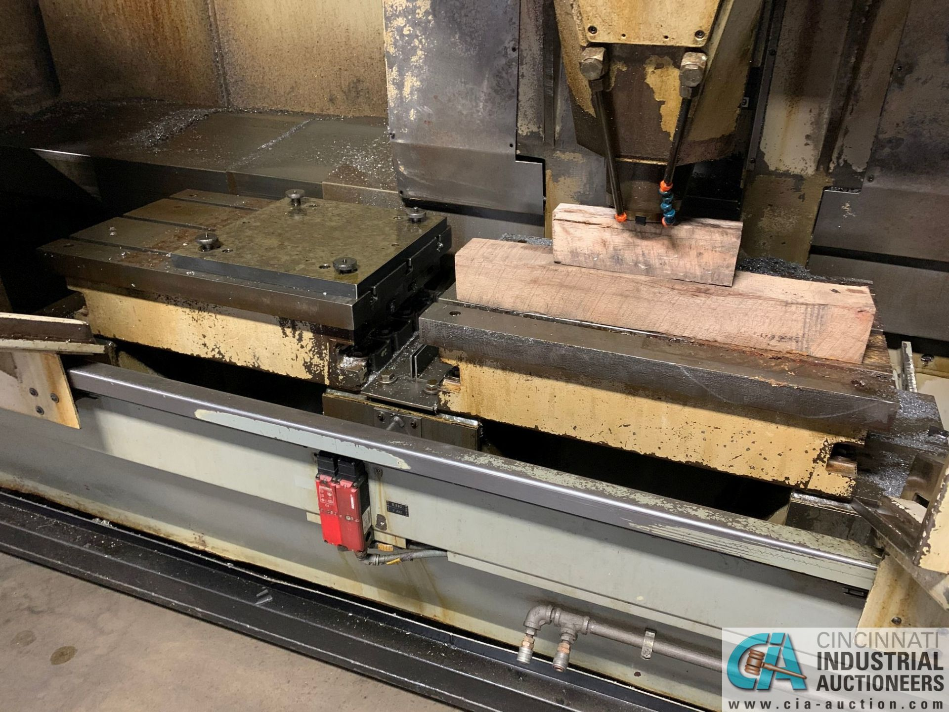 MONARCH UNISIGN TYPE UNIVERS 4 ZONALL 4 CNC VERTICAL MACHINING CENTER; S/N 99Z403, NO. 4293, - Image 3 of 13