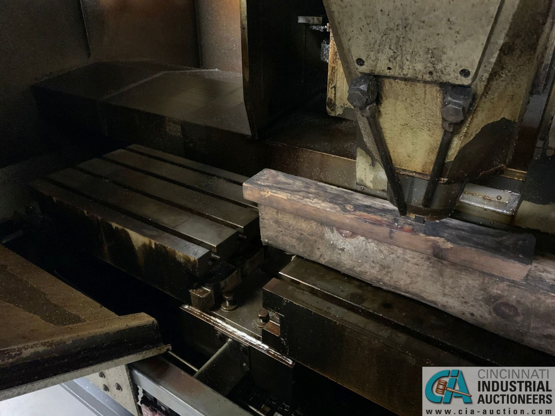 MONARCH UNISIGN TYPE UNIVERS 4 ZONALL 4 CNC VERTICAL MACHINING CENTER; S/N 99Z402, NO. 4292, - Image 3 of 11