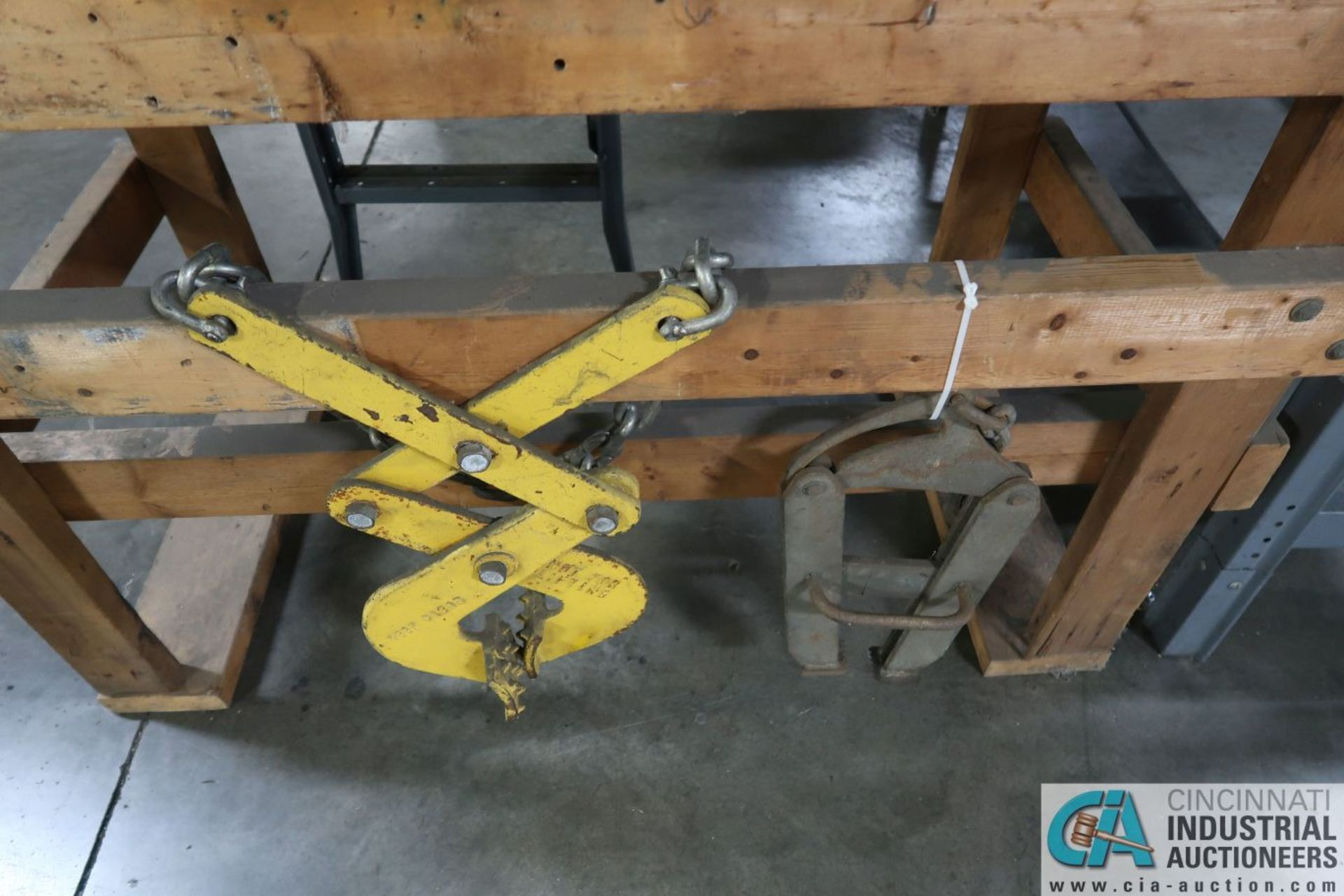 (LOT) PIPE WRENCH, BOLT CUTTERS, CRIMPERS, PIPE CUTTERS AND PALLET PULLERS - Image 4 of 4