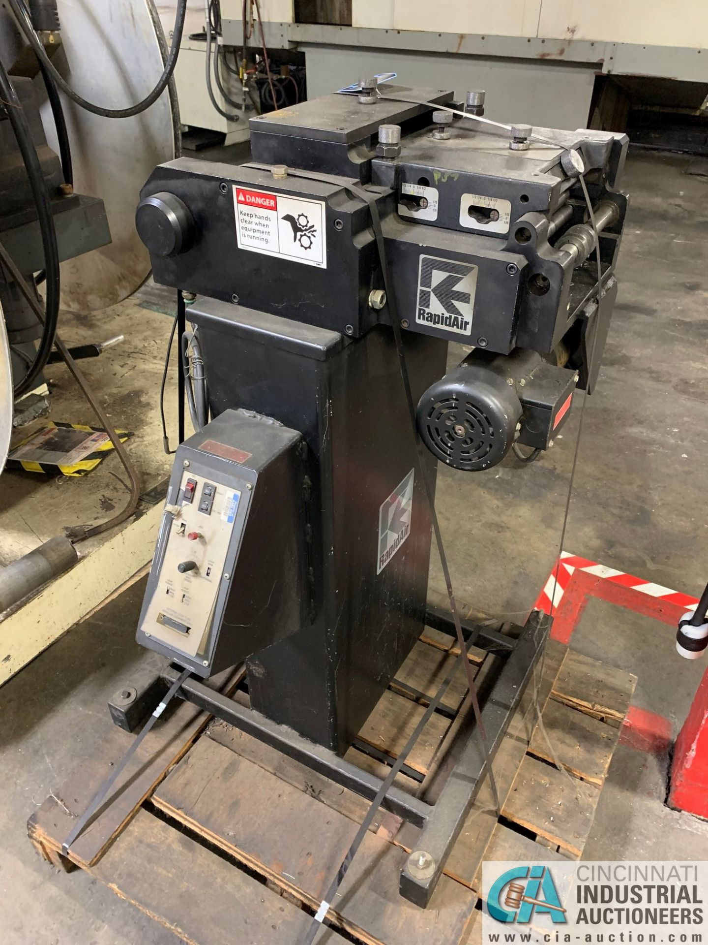RAPID AIR FEED SYSTEM MODEL RS79AP DE UNCOILER; S/N 83383 AND MODEL SBX8 STRAIGHTENER - Image 6 of 10