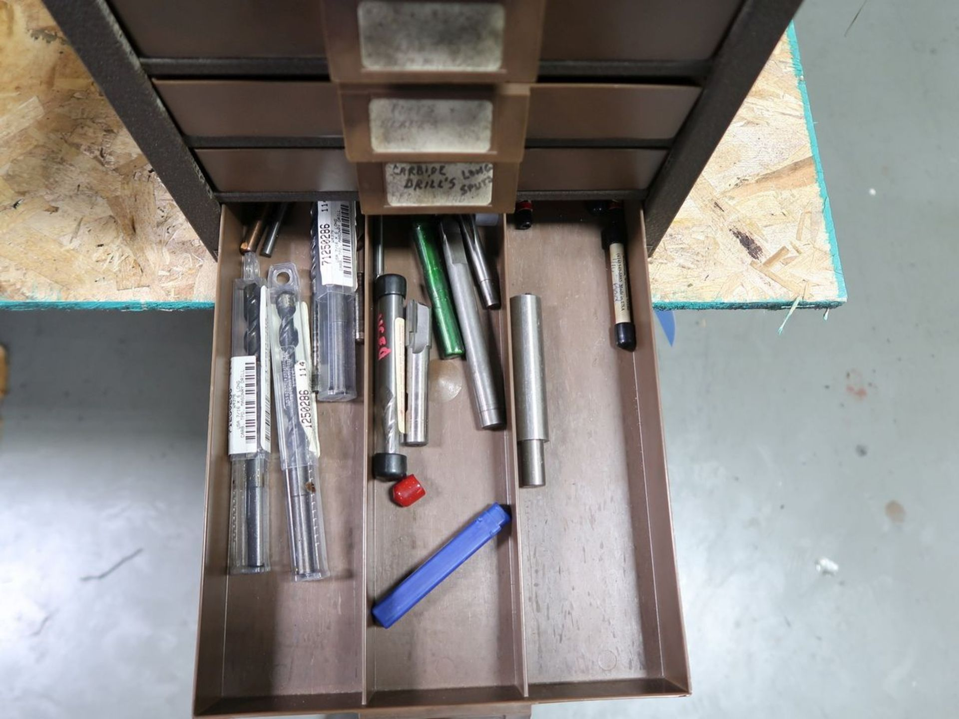 DRILL CABINET WITH CARBIDE DRILLS - Image 4 of 4