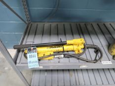 ENERPAC P-39 HYDRAULIC HAND PUMP WITH 1 TON HYDRAULIC JACK