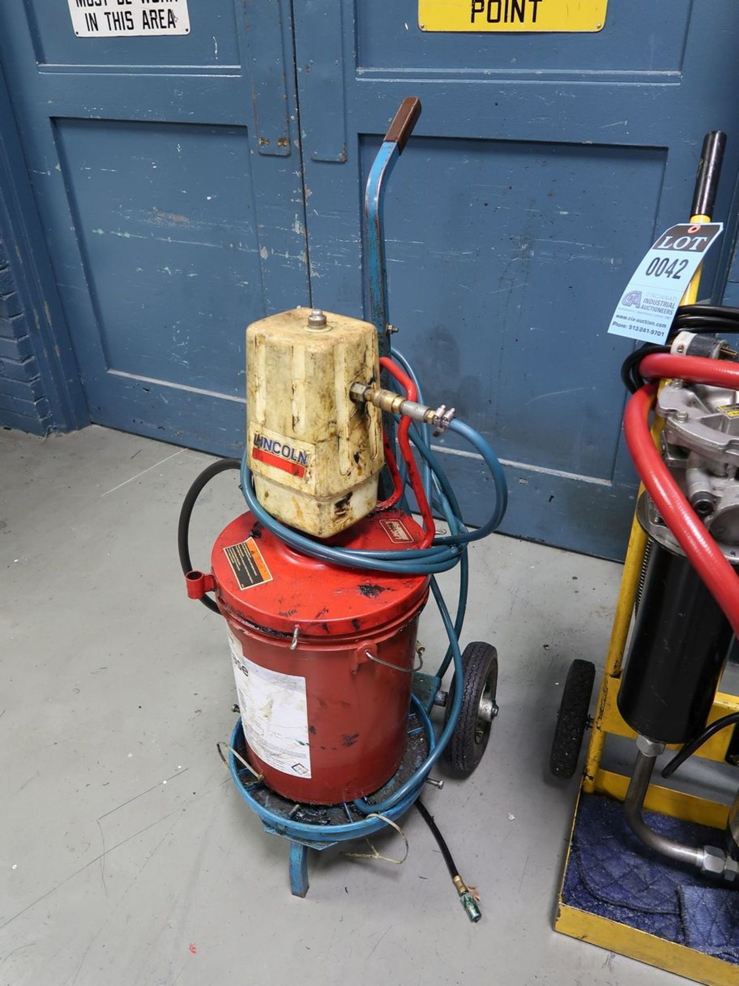 LINCOLN PNEUMATIC GREASE PUMP - Image 2 of 2
