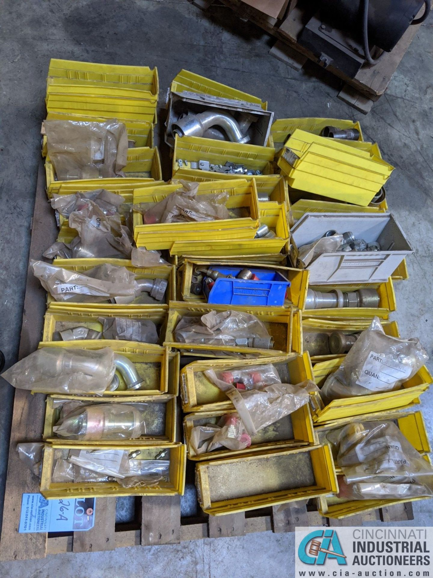 (LOT) ASSORTED HYDRAULIC FITTINGS & HOSE ON (2) SKIDS (8635 East Ave., Mentor, OH 44060 - John