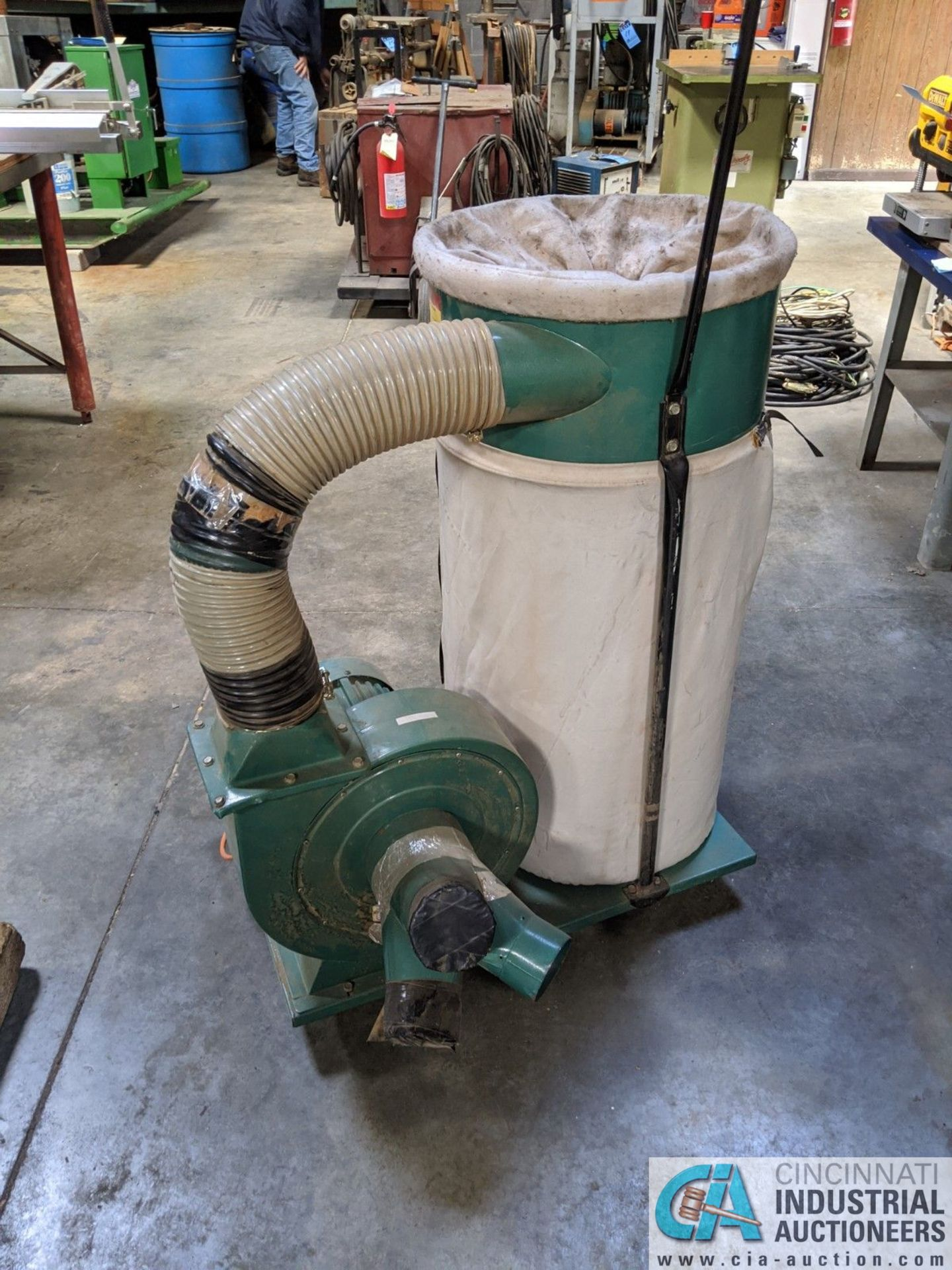 2-HP GRIZZLY PORTABLE DUST COLLECTOR (8635 East Ave., Mentor, OH 44060 - John Magnasum: 440-667- - Image 2 of 5