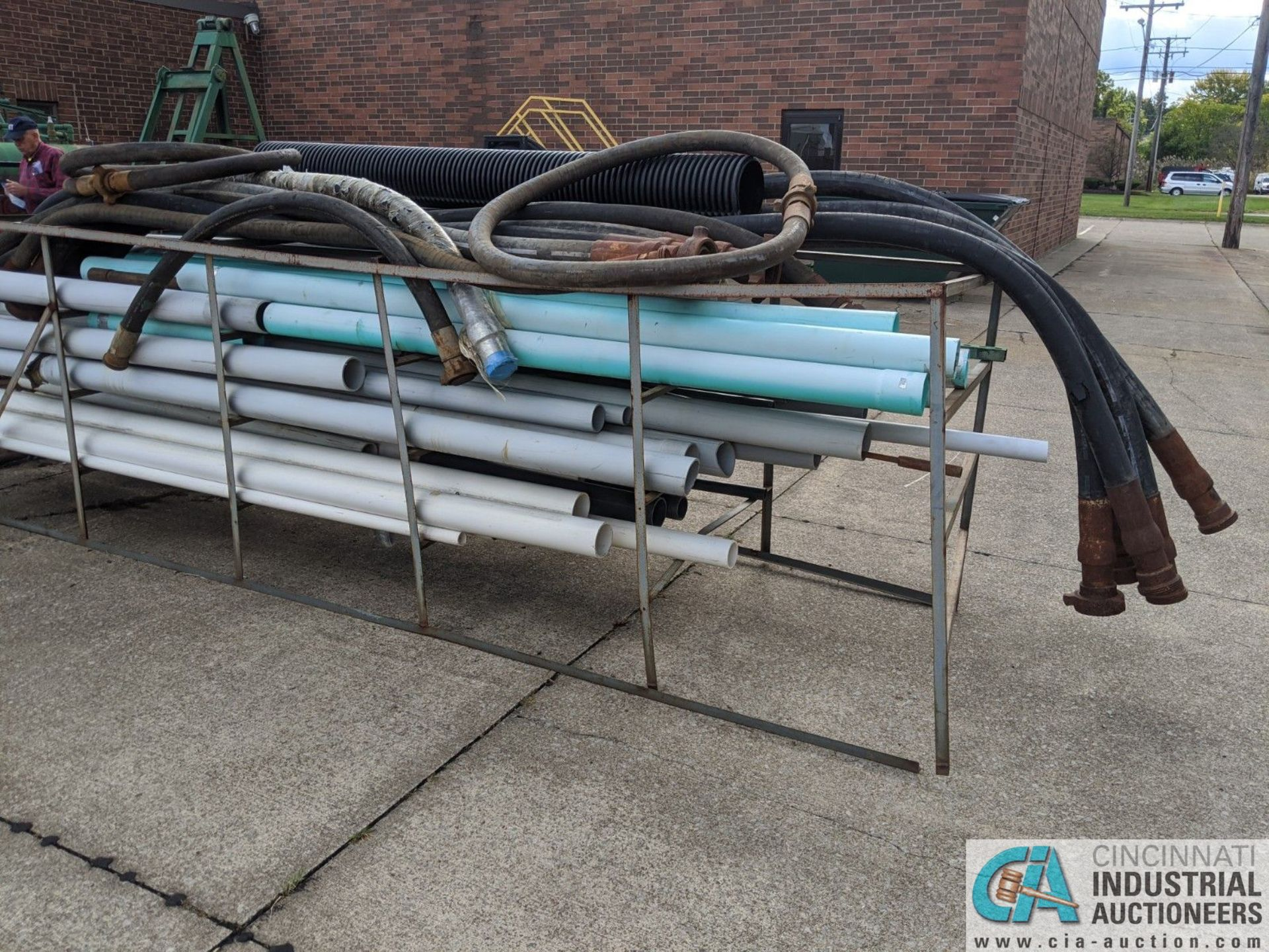 (LOT) RACK W/ PLASTIC PIPE (8635 East Ave., Mentor, OH 44060 - John Magnasum: 440-667-9414) - Image 2 of 3