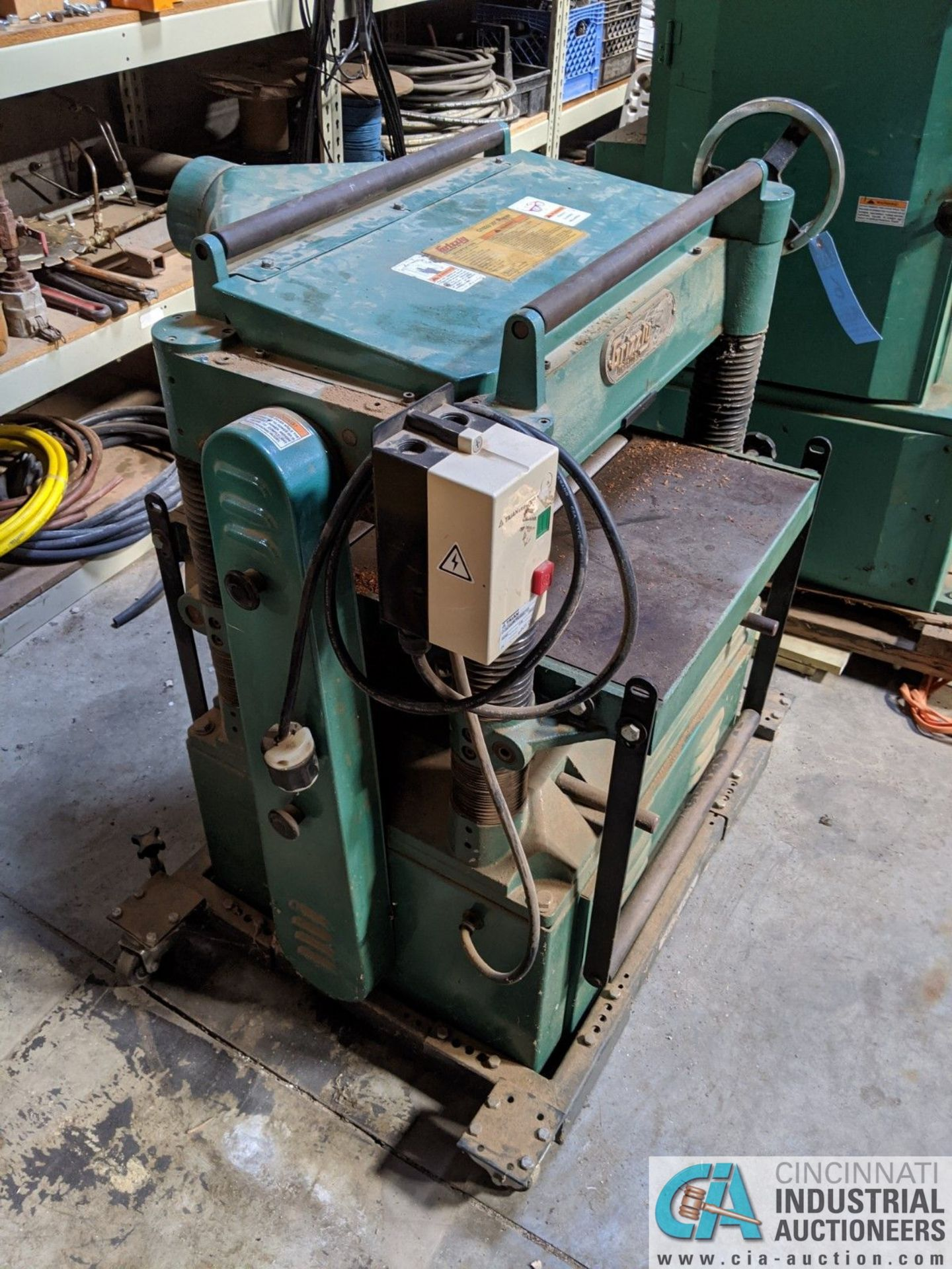 """20"""" GRIZZLY MODEL G1033 PLANER; S/N 636874, 16 - 20 FPM (8635 East Ave., Mentor, OH 44060 - John - Image 2 of 6"""