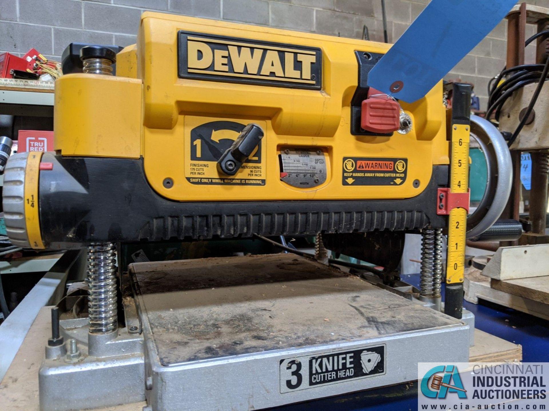 "13"" THICKNESS DEWALT MODEL DW735 PLANER; S/N 2007-52-CTI94585 (8635 East Ave., Mentor, OH 44060 - - Image 4 of 6"