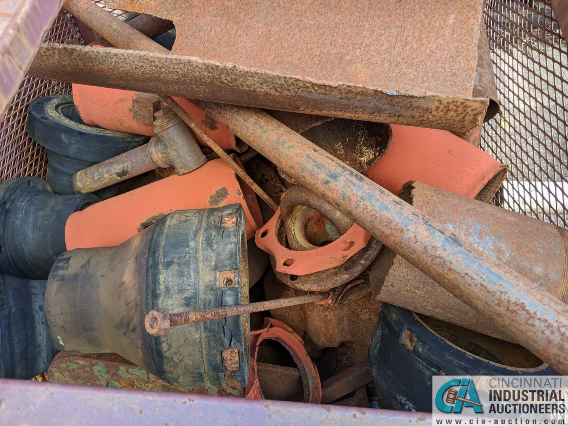 (LOT) USED OIL DRILL BITS ON (2) DRUMS & (2) STEEL CRATES W/ PIPE CAT-OFFS (8635 East Ave., - Image 4 of 5
