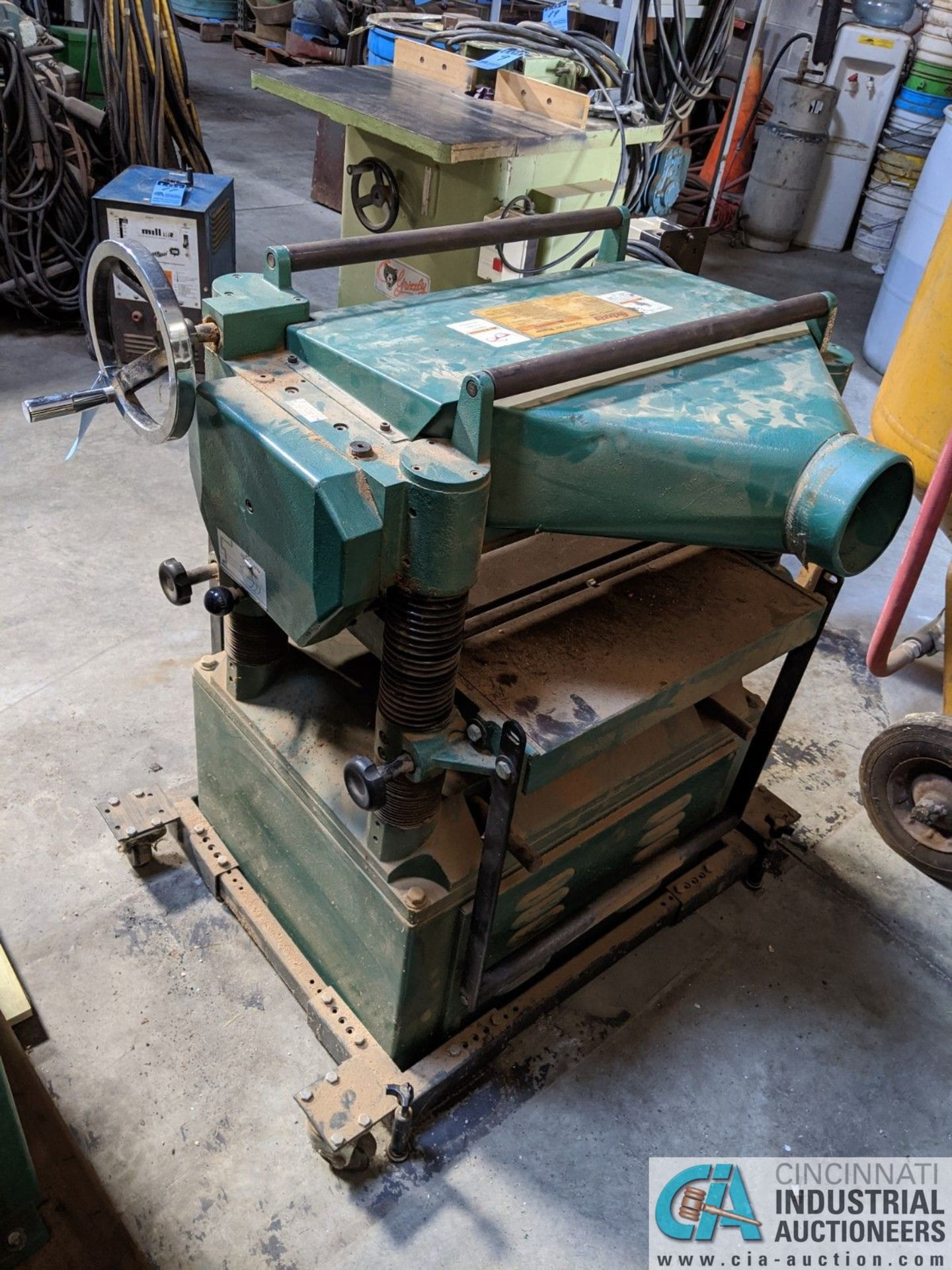 """20"""" GRIZZLY MODEL G1033 PLANER; S/N 636874, 16 - 20 FPM (8635 East Ave., Mentor, OH 44060 - John - Image 3 of 6"""