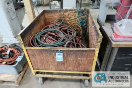 (LOT) AIR HOSE WITH PORTABLE CRATE