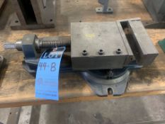 "6"" SWIVEL BASE MILL VISE WITH 4"" MILL VISE"