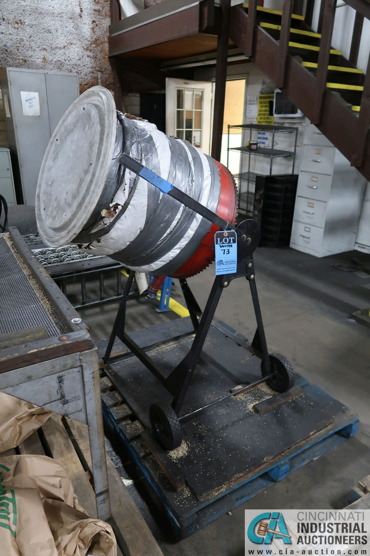 PORTABLE ELECTRIC CEMENT MIXERS CONVERTED TO CORN COB MEDIA FINISHING MACHINE WITH SIFTING TABLE AND - Image 6 of 6