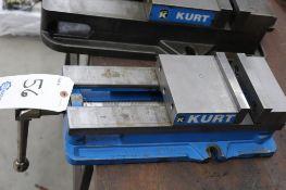 "Kurt D688 6"" milling machine vise"