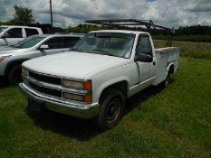2000 Chevy 2500 Utility Gas, 147,858 milesvin# 1GBGC34R3YR219773