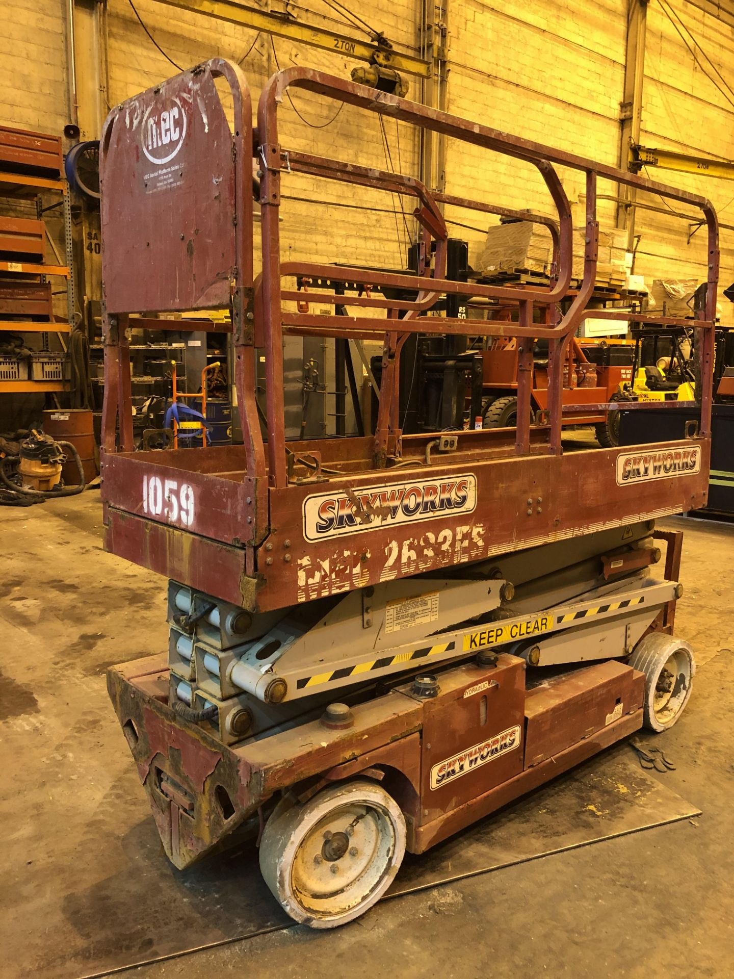 Lot 15 - MEC 2633E Scissor Lift 26 ft Height