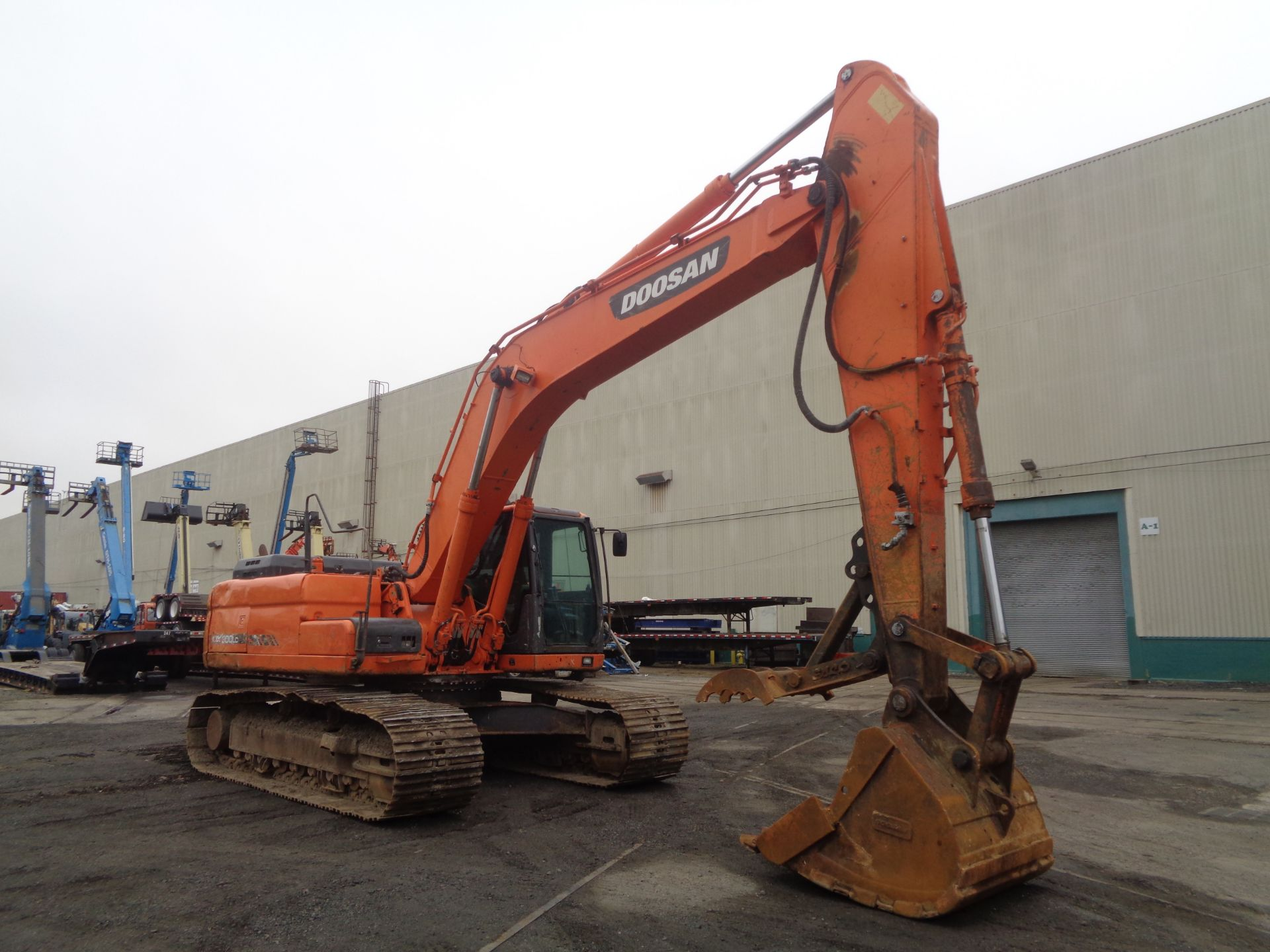 Lot 20 - 2013 Doosan DX300LC-3 Excavator
