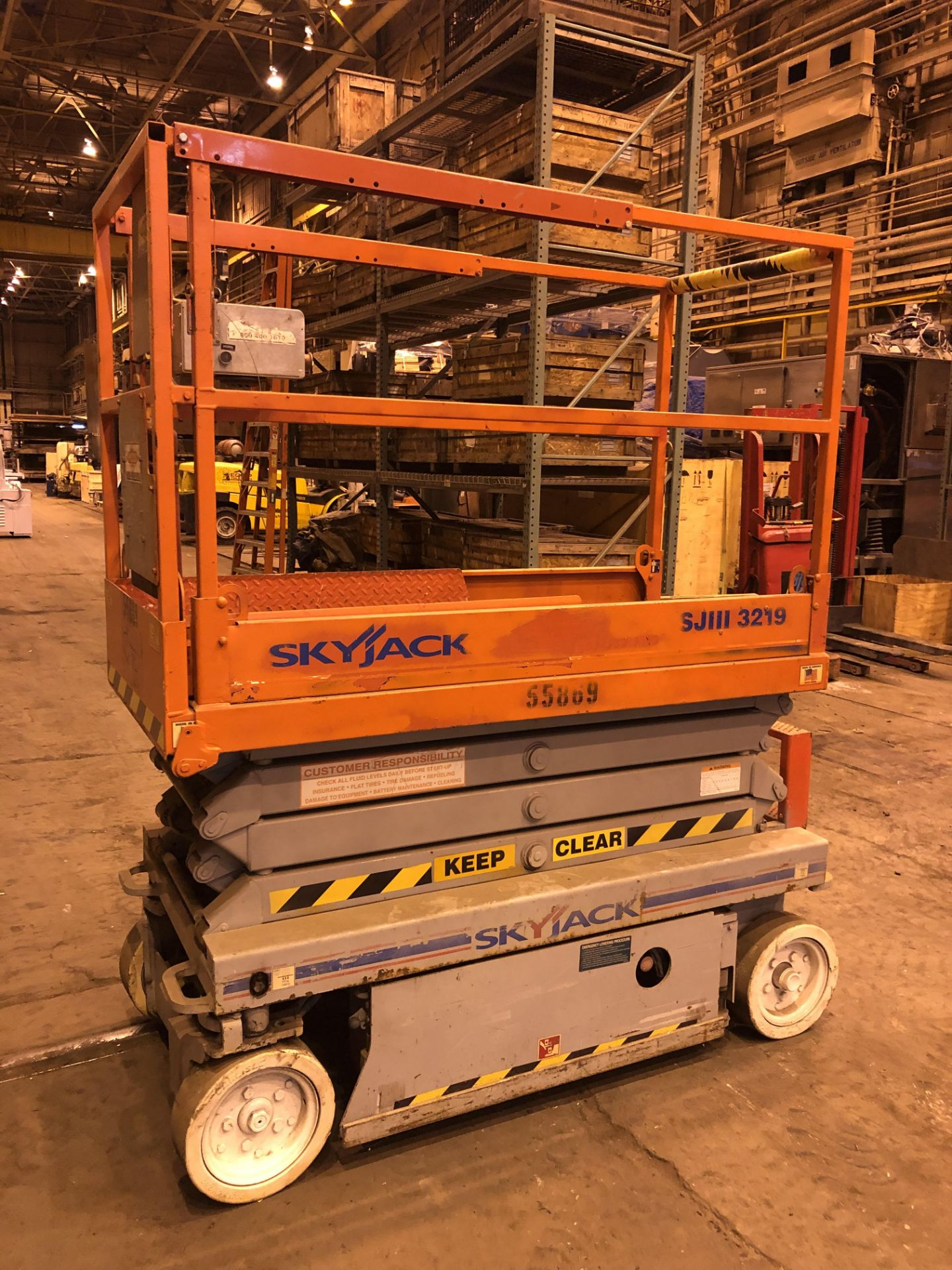 Lot 14 - SkyJack SJ111-3219 Scissor Lift