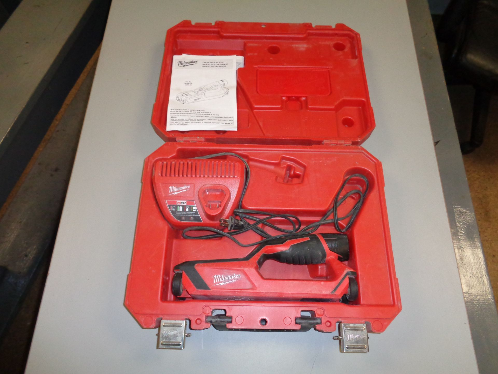 Lot 9A - Milwuakee M12 Sub Scanner Detection Scanner