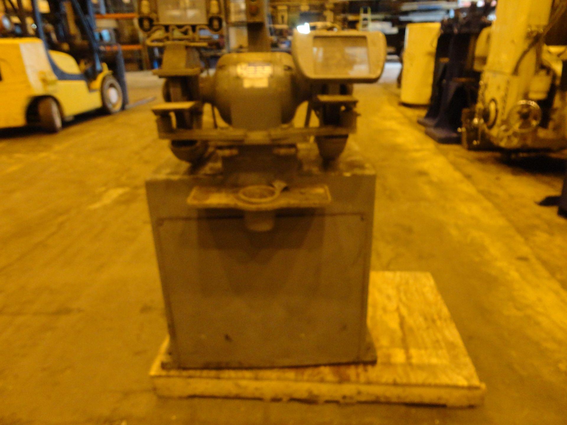 Lot 2 - Pedestal Grinder