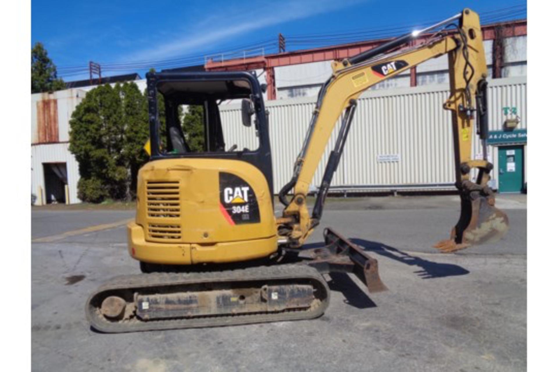 Lot 25 - 2012 Caterpillar 304E Mini Excavator