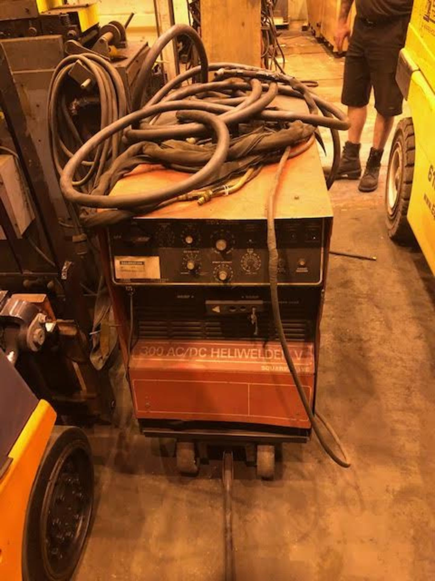 Lot 1e - Tig Welder