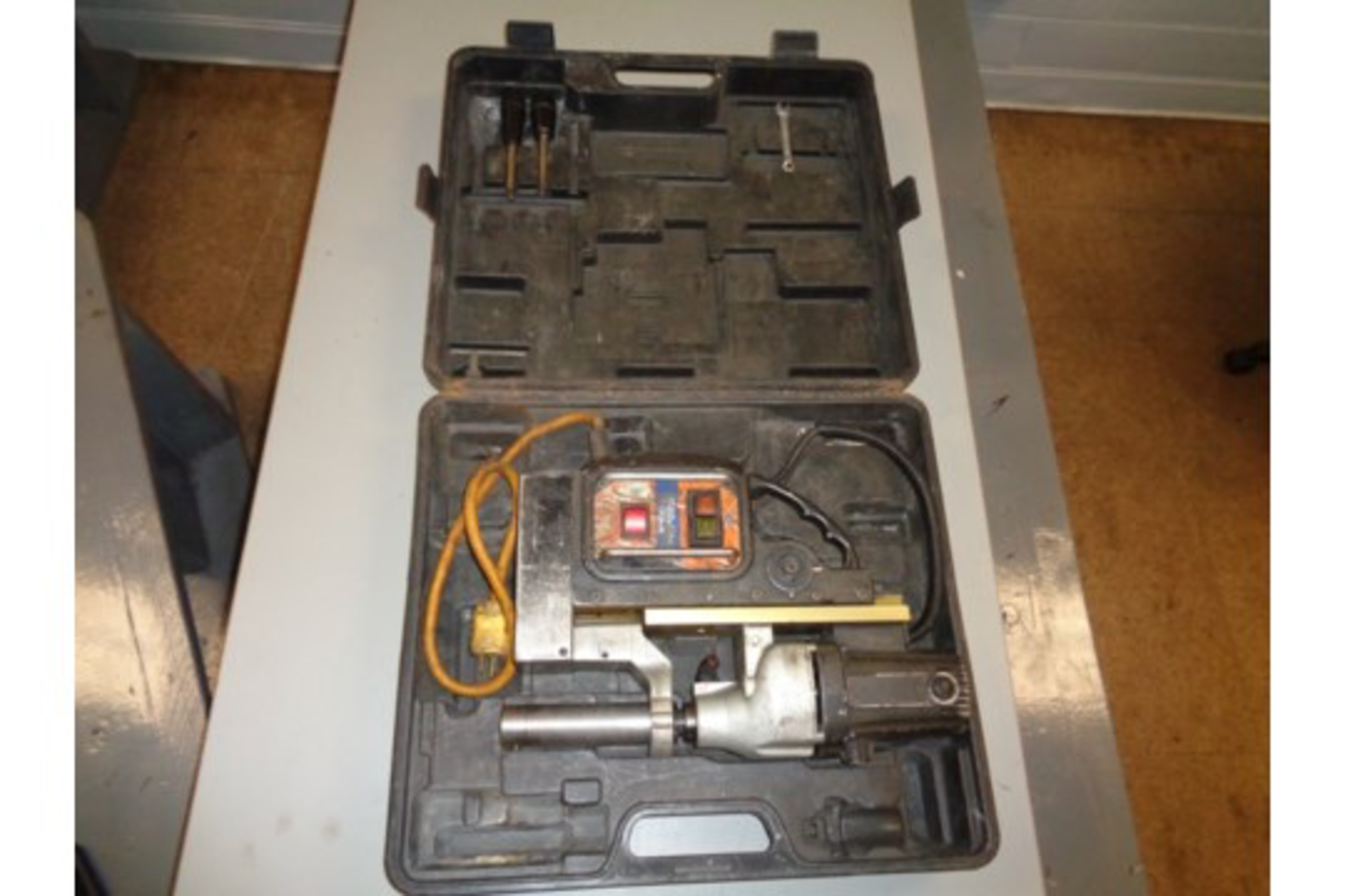 Lot 17 - Evolution ME3500 Magnetic Drill