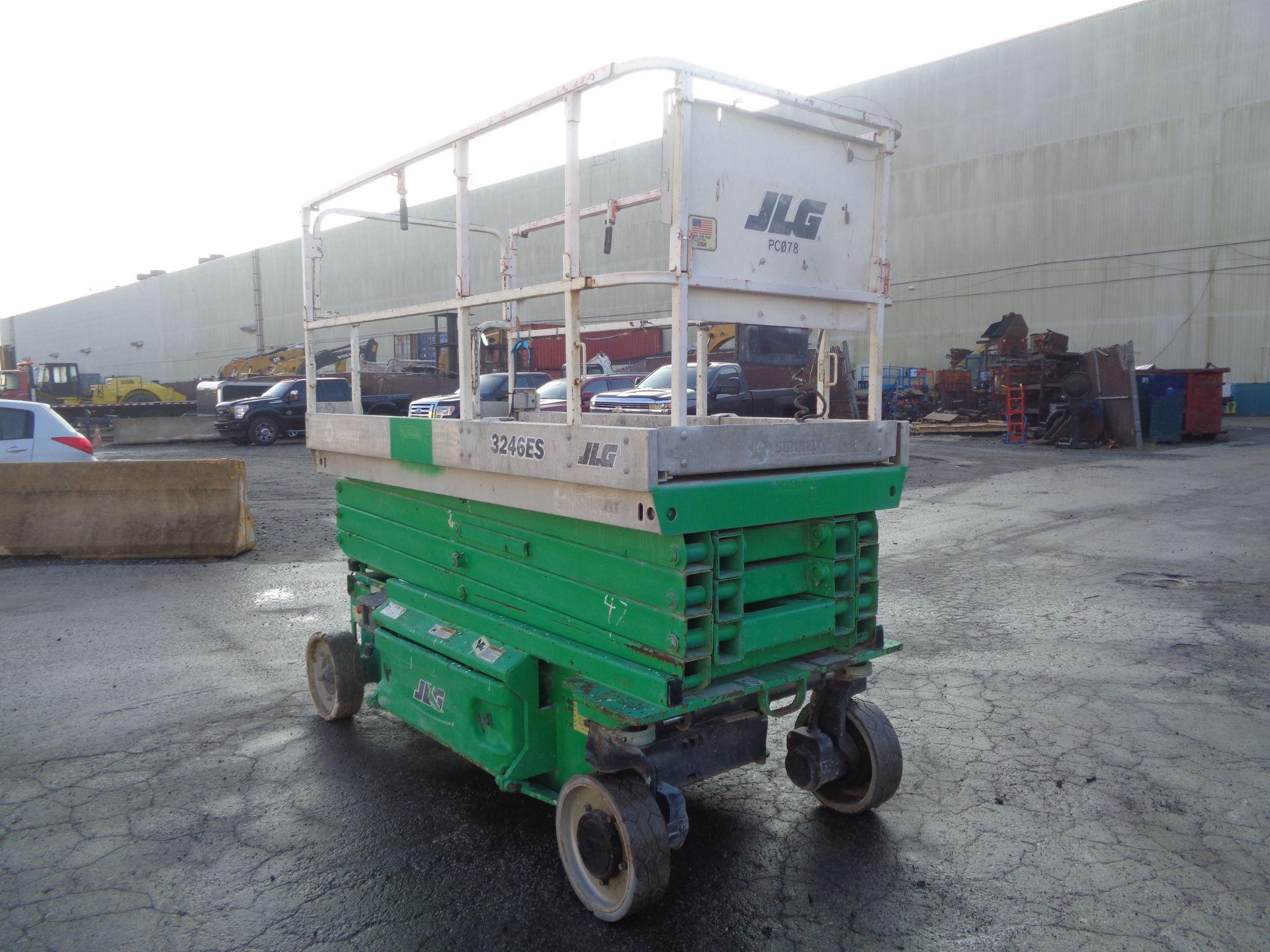 Lot 37 - 2008 JLG 3246ES Electric Scissor Lift