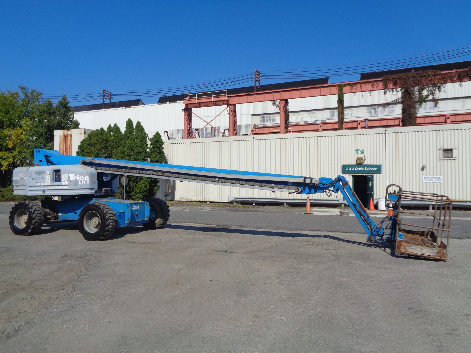 Lot 43 - 2008 Genie S85 85ft Boom Lift