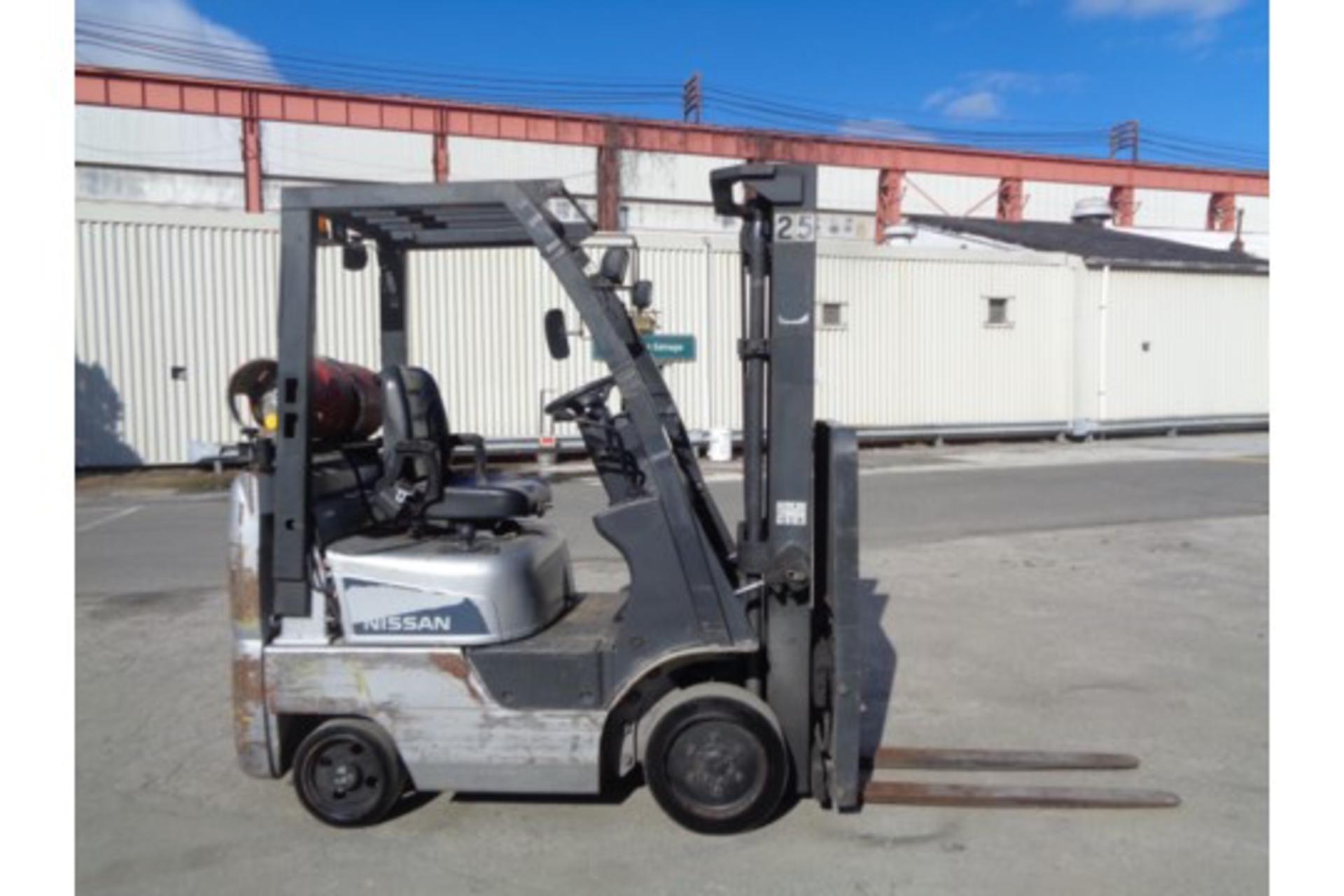 Nissan MCPL01A18LV 3500lb Forklift