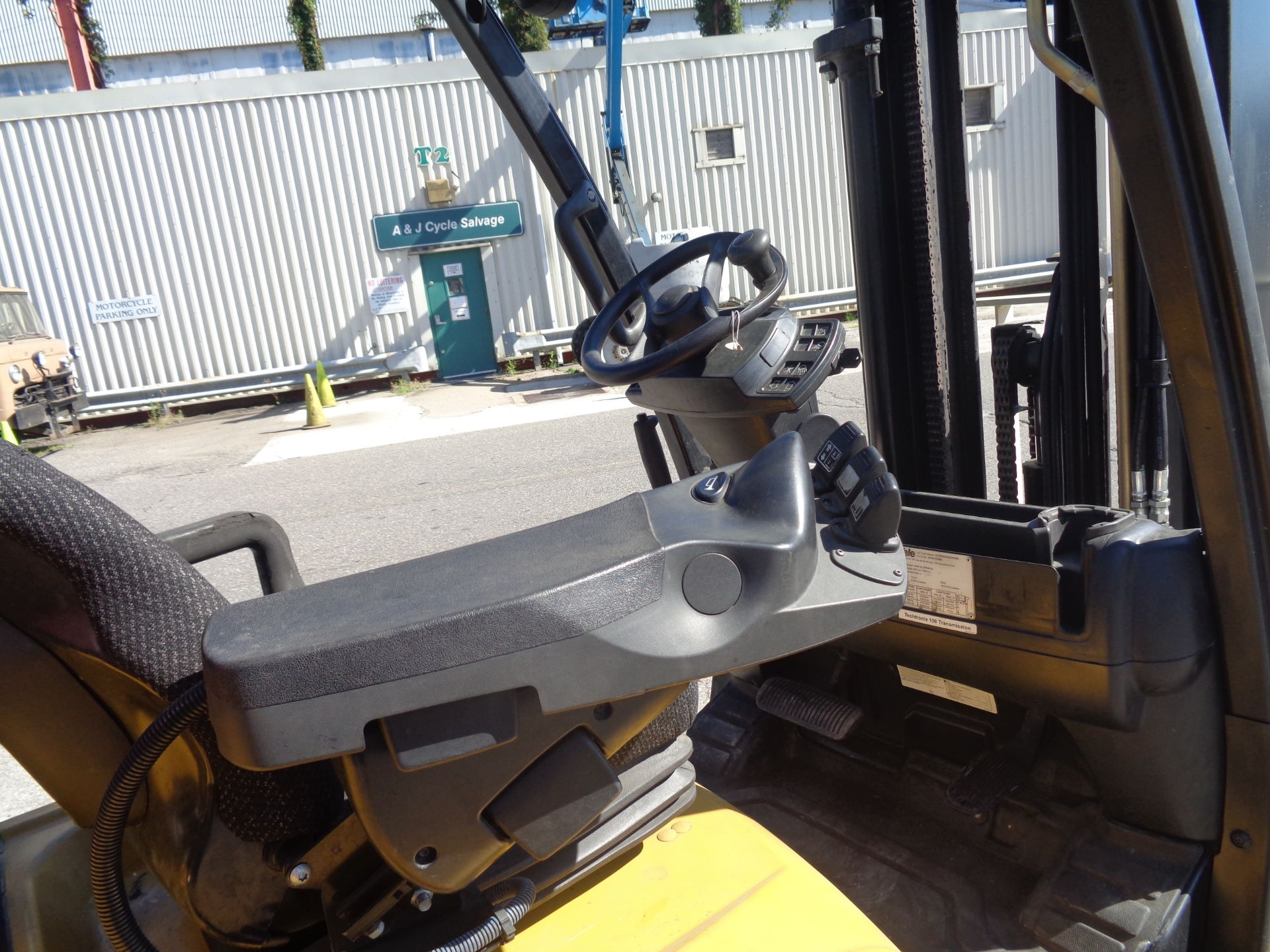 2014 Yale GLC070VXNGSE088 7,000 lbs Forklift - Image 6 of 12
