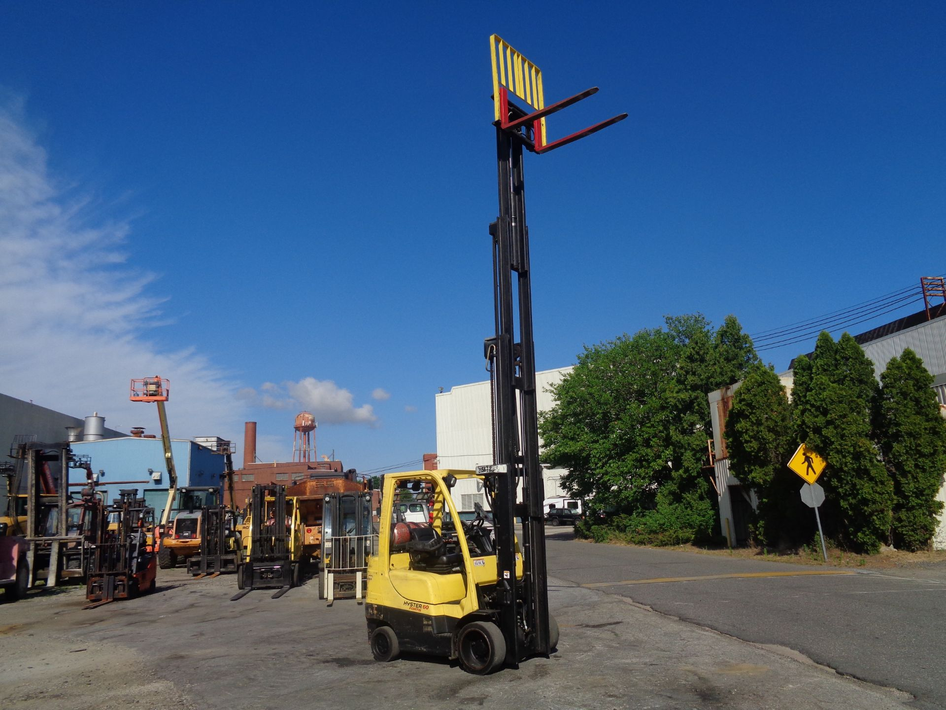 2012 Hyster S60FT 6,000lb Forklift - Quad Mast - Image 12 of 13