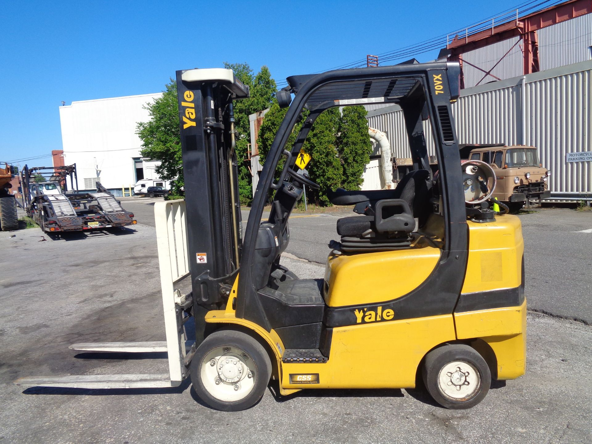 2014 Yale GLC070VXNGSE088 7,000 lbs Forklift - Image 10 of 12