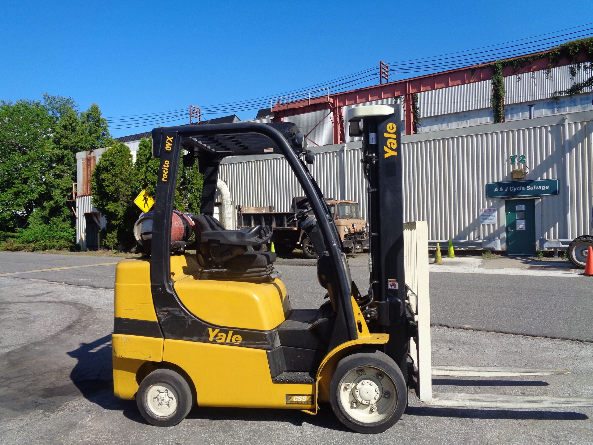 2014 Yale GLC070VXNGSE088 7,000 lbs Forklift - Image 2 of 12
