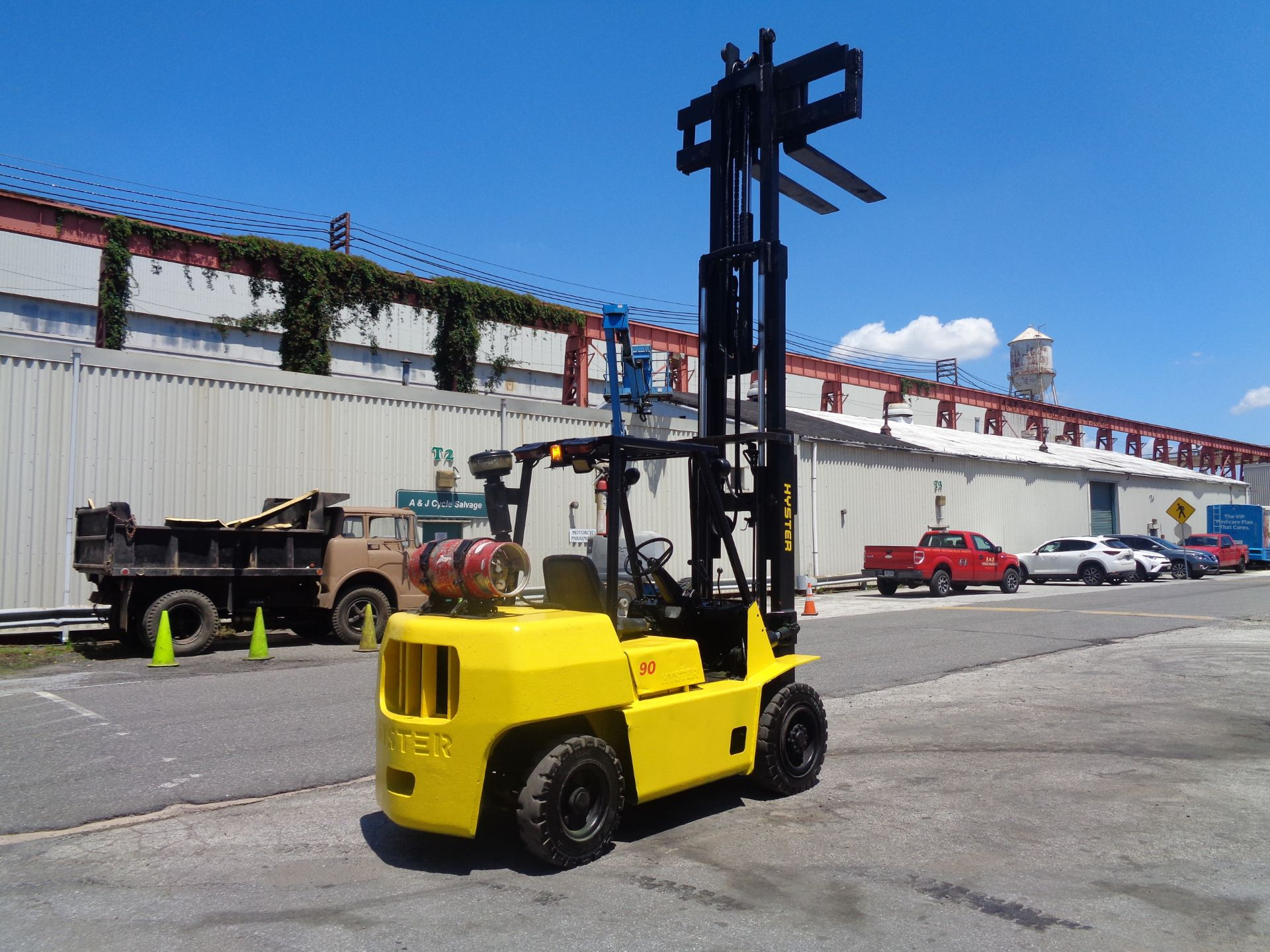 Hyster H90XLS Forklift 9,000 lbs - Image 13 of 13