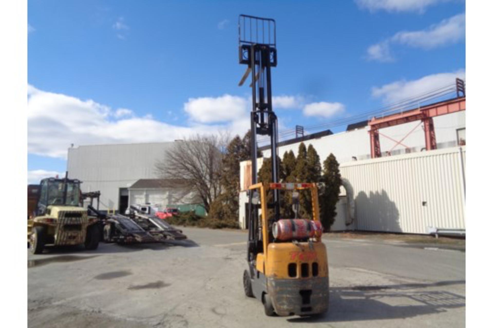 TCM FCG15F9 3,000lb Forklift - Image 15 of 16