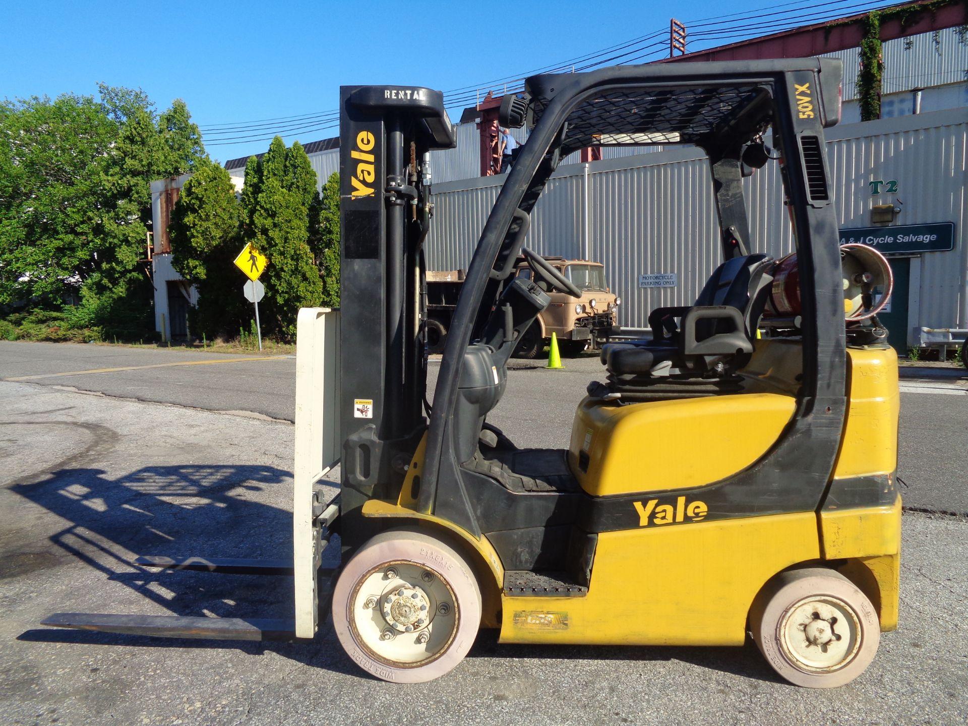 2014 Yale GLC050VXNVRE088 5,000 lb Forklift - Image 4 of 11