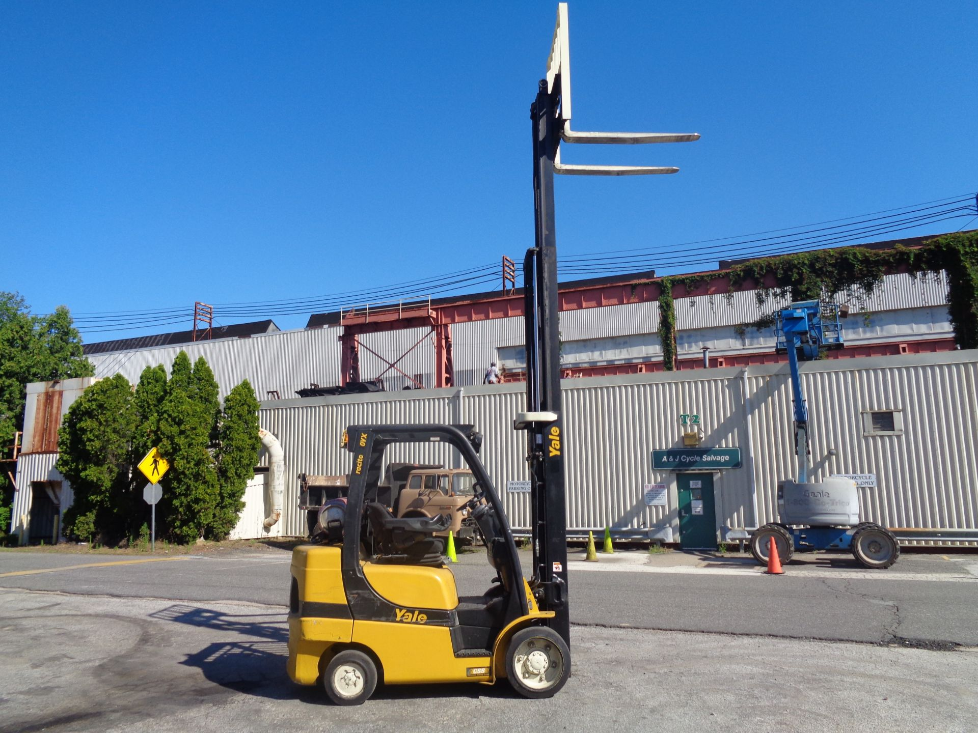 2014 Yale GLC070VXNGSE088 7,000 lbs Forklift - Image 7 of 12